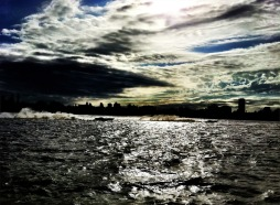 Speed boat race on the #Hudson between #NYC & #Hoboken #iphoneography #photography