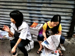 Paper, you can sit on it or you can sit on it and read it #iphoneography #photography #NYC #Chinatown