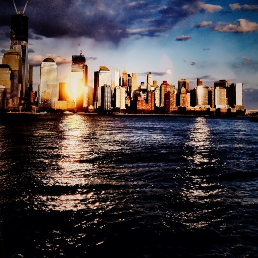 Reflecting over an NYC sunset #iphoneography #photography