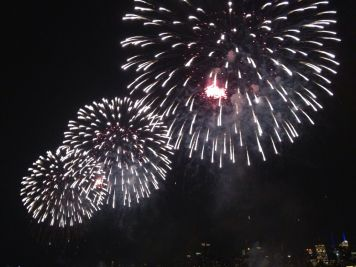 Spectacular Macy's 4th of July #fireworks shot using an iPhone #Hoboken #iphoneography #photography #NYC