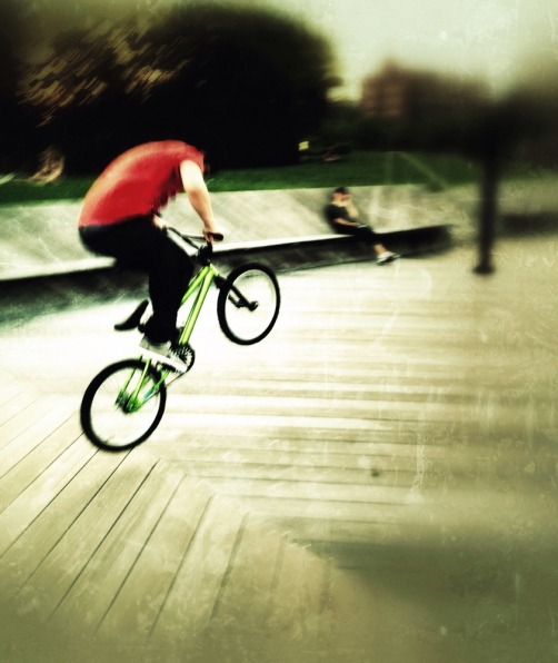 I ride my bike and dont care a dam